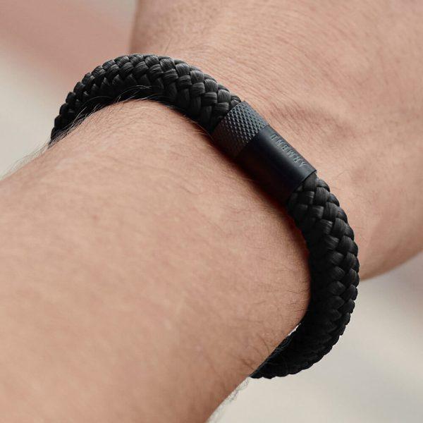 Zwarte dikke armband met zwarte magneetsluiting