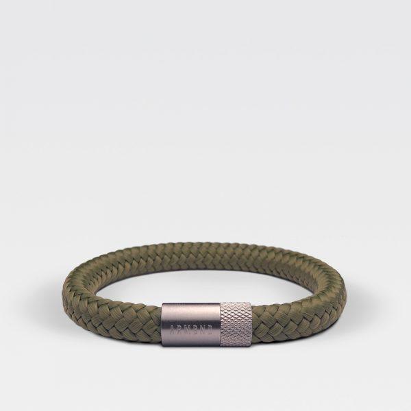 Gevlochten legergroene armband van ARMBND met zilveren roestvrij stalen sluiting