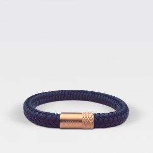 Donkerblauwe gevlochten armband met stalen sluiting