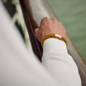 Okergele armband met rose goud
