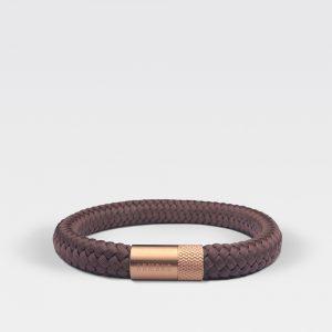 Gevlochten chocolade bruine armband van ARMBND met rosé gouden roestvrij stalen sluiting