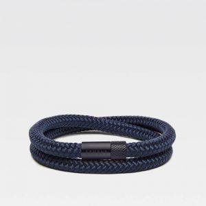 Donkerblauwe dubbele armband met zwarte stalen sluiting