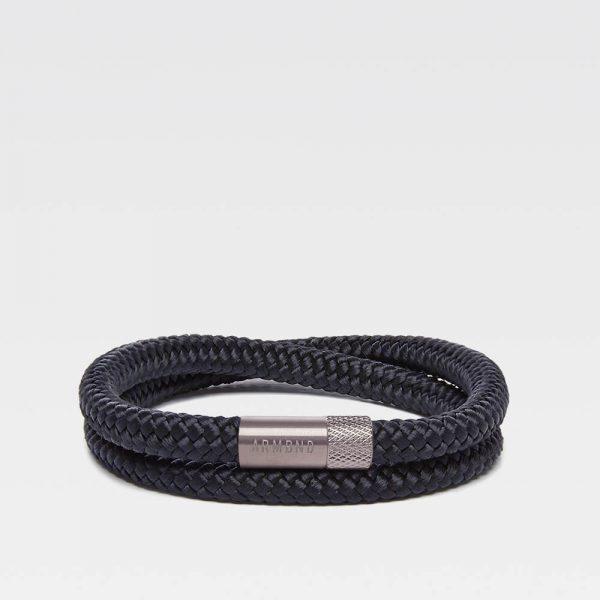 Zwarte dubbele armband met zilveren stalen sluiting