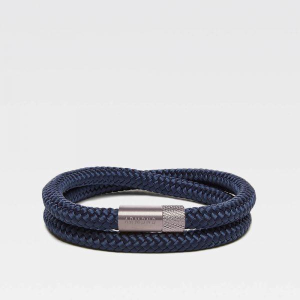 Donkerblauwe dubbele armband met zilveren stalen sluiting