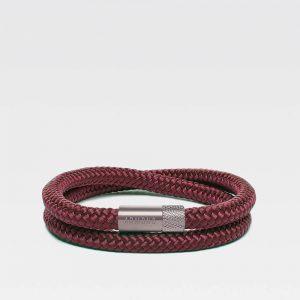 Donkerrode dubbele armband met zilveren stalen sluiting